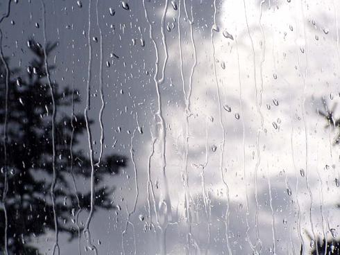بارش نخستین باران پاییزی در شب تاسوعای حسینی در منطقه داریون