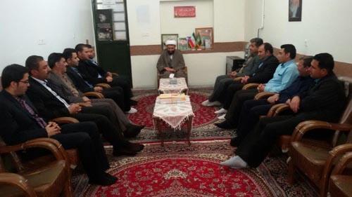 دیدار شهردار و شورای شهر داریون با امام جمعه منطقه داریون