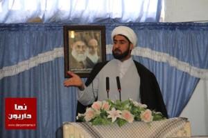 انتقاد شدید امام جمعه داریون از مسوولانی که از بیت المال ارتزاق می کنند اما در نماز جمعه حاضر نمی شوند