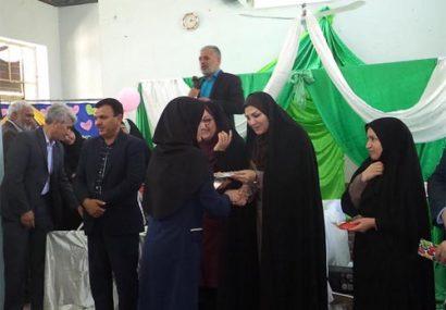 جشن بزرگداشت مقام معلم در دیندارلو برگزار شد