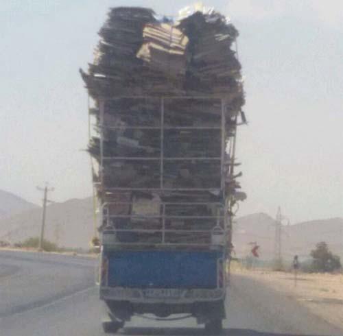 عکس جالب یک نیسان در جاده شیراز-داریون