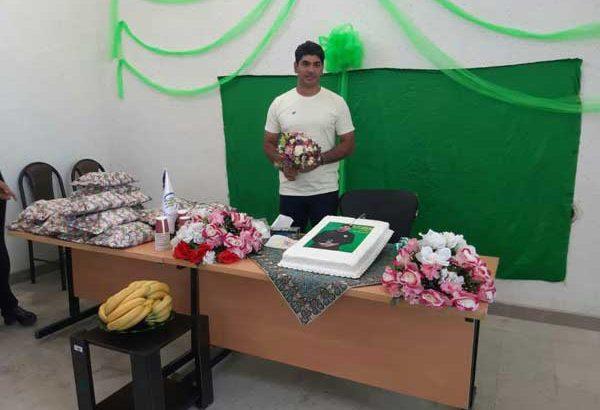 جشن تولد بهترین مدافع فوتبال آسیا در مرکز نیکوکاری داریون/تصاویر