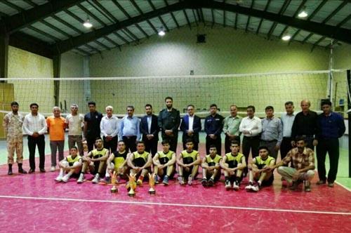 قهرمانی پایگاه سید احمد خمینی (ره) در مسابقات والیبال بسیج منطقه داریون