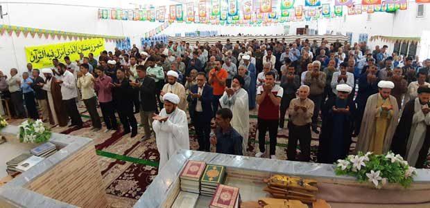 تصویری از نماز جمعه امروز منطقه داریون