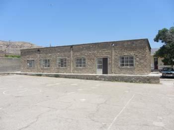 ساختمان دبستان شهيد غلامزاده تربر